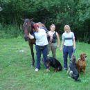 pisana druščina : ljudje, konj in psi
