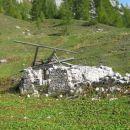 Eden izmed propadlih stanov na planini pod Mišelj vrhom, ki so v drugih časih nudili streh