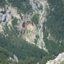 Slap Rinka in Orlovo gnezdo iz pod Kamniškega sedla.