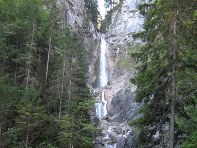 Spodnji Martuljovi slapovi.