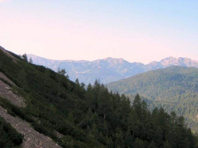 Vogel, z spodnjimi Bohinjskimi gorami.