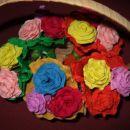 rože iz krep papirja-veselje jih je izdelovat