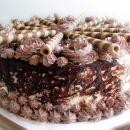 po receptu iz lise (carovnija okusa, posebna izdaja torte). za nogometno finale. :)
