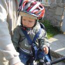 Uživam, ko me ati prevaža na kolesu