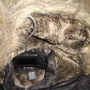 Zara 9-10 let, kapuca je fiksno prišita