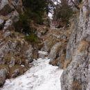 Začetek plezalne poti na Veliki rogatec