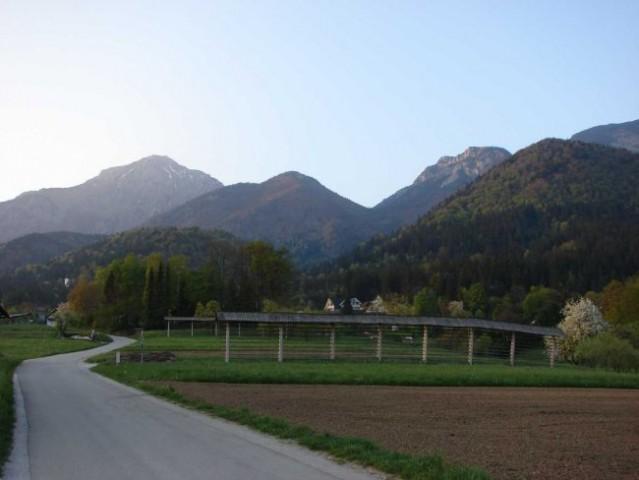 Hudičev boršt-Mali Grintovec-Kališče 21.4.200 - foto