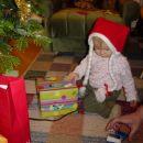 moje darilo. kaj pa je notr?