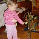 tkole pa krasim velikonočno cvetje