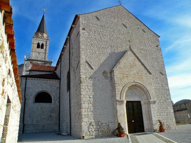 Obnovljena cerkev