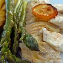 v pečici pečen romb, priloga beli in zeleni beluši