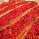 čičerikino testo, nadev iz pečenih paprik in slani fileti, na kratko pita