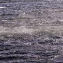 burja dobro meša morje