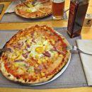 superca pizze, pa tudi nefiltrirano pivo ni slabo
