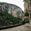 pot do samostana