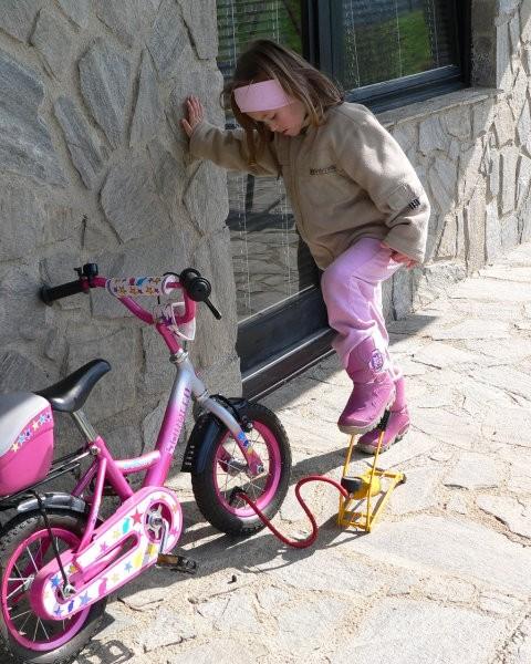 Pred sezono si moram napumpat bicikl.