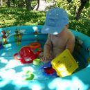 V bazenčku s kapico