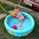 Na morju v bazenčku