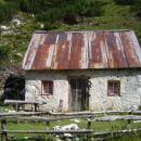 Pastirska koča ob poti na Kalški greben