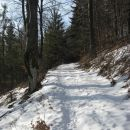 pod planoto menine se prične skromna snežna odeja
