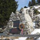 partizanski spomenik na menini