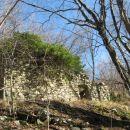 ruševine ob poti