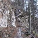 zadnji del poti pod grebenom ajdne