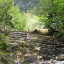 ograja, ki paše v to okolje