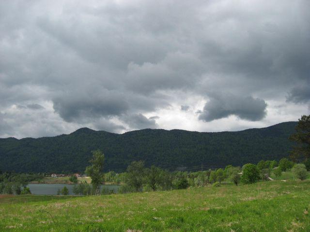 Grozeči oblaki