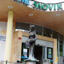 kip pred vhodom