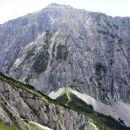 pogled na hajnževo sedlo in veliki vrh na drugi strani