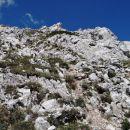 zelo neprijeten teren pri spustu z drugega vrha, na srečo ne traja dolgo...
