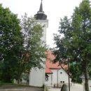 cerkev svete trojice na ajdovcu, med vojno porušena, 1990 ponovno zgrajena