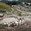 3 lokve (kali) imenovani hahlići, v bližini planinskega doma