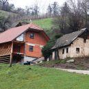 staro in novo, zanimiva terasa na novogradnji, stil kozolca