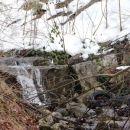 približan zgornji tok potoka pokaže žalostno sliko