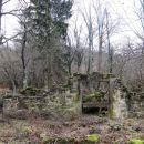 ruševina hleva...