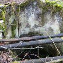 eden številnih globokih vodnjakov