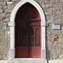 portal vhoda v cerkev