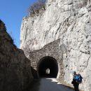 železniški tunel