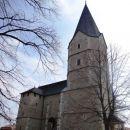 gotska cerkev deluje prav fascinantno
