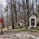 kapelica, kjer se priključi pot iz podkuma