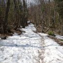 zadnji del poti pod vrhom je po mokrem snegu in blatu
