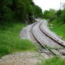 železnica nad zazidom