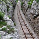železniški usek med rakitovcem in zazidom