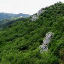 na drugo stran grebena se že vidi sv. just v sočergi