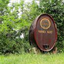 v vinorodni deželi smo