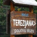 oznaka za učno pot; terezijana se imenuje cesta Gospić-Karlobag
