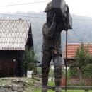 peter klepec na ruševinah svoje rojstne hiše