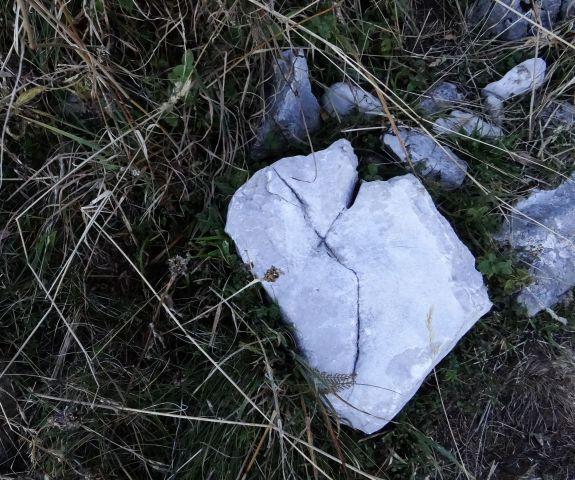 Neverjetno veliko kamnitih src ... se jih ne da preštet...